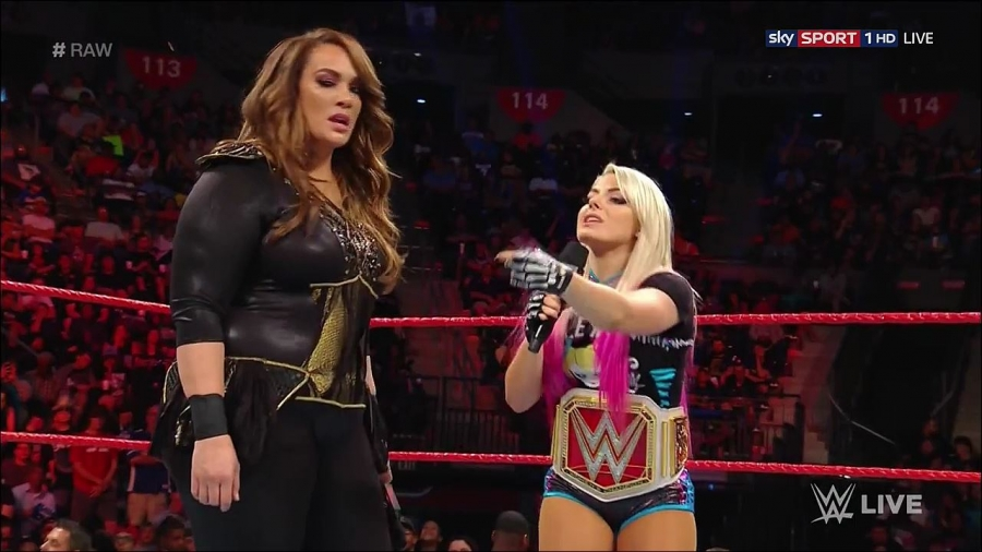 WWE_Monday_Night_RAW__13_June_2017_-_720P_HDTV_mp4_004117851.jpg