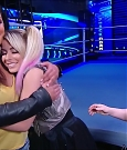 WWE_Friday_Night_SmackDown_2020_08_28_720p_HDTV_x264-NWCHD_mp4_003970370.jpg
