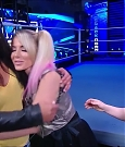 WWE_Friday_Night_SmackDown_2020_08_28_720p_HDTV_x264-NWCHD_mp4_003970971.jpg