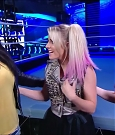 WWE_Friday_Night_SmackDown_2020_08_28_720p_HDTV_x264-NWCHD_mp4_003971571.jpg