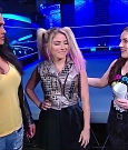 WWE_Friday_Night_SmackDown_2020_08_28_720p_HDTV_x264-NWCHD_mp4_003974474.jpg
