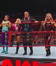 WWE_Monday_Night_Raw_2017_12_11_720p_HDTV_x264-NWCHD_mp4_006044667.jpg