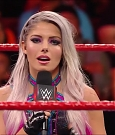 WWE_Monday_Night_Raw_2018_02_26_720p_HDTV_x264-NWCHD_mp4_000594774.jpg