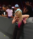 WWE_Monday_Night_Raw_2019_09_23_720p_HDTV_x264-NWCHD_mp4_002767167.jpg