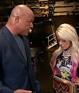 WWE_RAW_2018_01_01_720p_WEB_h264-HEEL_mp4_000132660.jpg