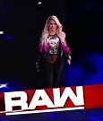 WWE_RAW_2018_06_18_720p_WEB_h264-HEEL_mp4_000215181.jpg