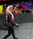 WWE_RAW_2018_06_18_720p_WEB_h264-HEEL_mp4_000225677.jpg
