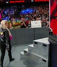 WWE_RAW_2018_06_18_720p_WEB_h264-HEEL_mp4_000227079.jpg