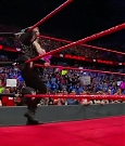 WWE_RAW_2018_06_18_720p_WEB_h264-HEEL_mp4_000230322.jpg