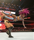 sasha-banks-contro-alexa-bliss-a-wwe-great-balls-of-fire.jpg