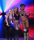 alexa-bliss-mickie-james-e-alicia-fox-a-wwe-raw.jpg