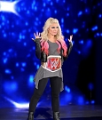 alexa-bliss-e-mickie-james-a-wwe-raw-1-maxw-1280.jpg