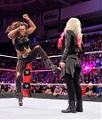 alexa-bliss-e-mickie-james-a-wwe-raw-2-1-maxw-1280.jpg